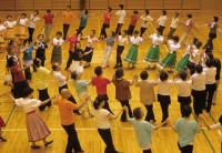 楽しいフォークダンス
