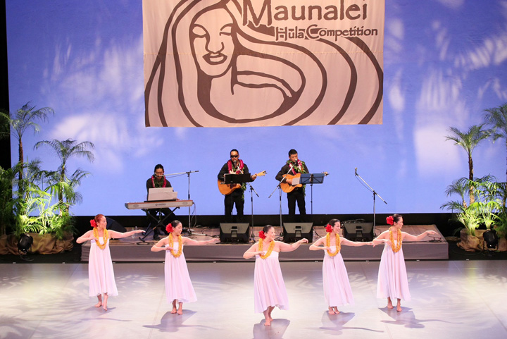 Maunalei-Hula-competition