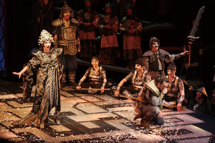 ブルガリア国立歌劇場オペラ「トゥーランドット」